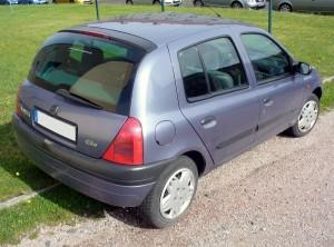 Renault_Clio_II_Phase_I_Fünftürer_1.2_Heck