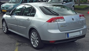 Renault_Laguna_III_Phase_I_rear